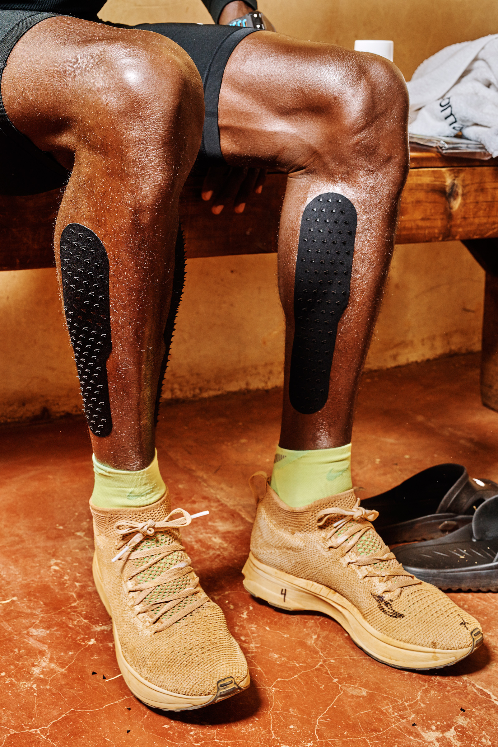 nike 4 vapor fly. nike breaking2 in kenya shot by cait oppermann for wired a close up of kipchoge\u0027s vaporfly 4 vapor fly
